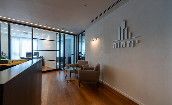 משרדים במגדל השחר